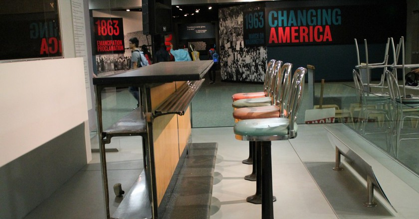 Woolworth Lunch Counter from National Museum of African American History and Culture | © Elvert Barnes / Flickr