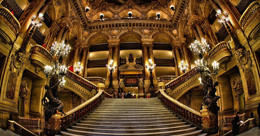 Grand staircase of the Opéra Garnier │© Véronique Mergaux / Flickr