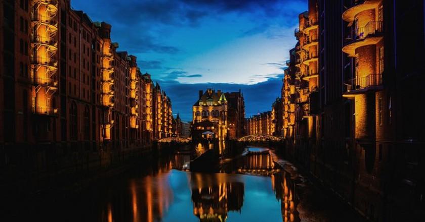 Hamburg at night    © Pixabay