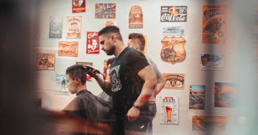 Hipster Barber Shop | ©Allef Vinicius / Stocksnap