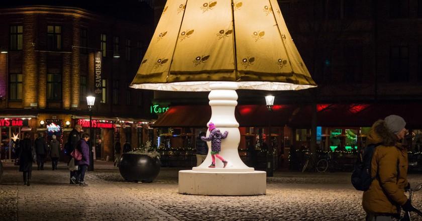 Art installation lights up Lilla Torg  © Susanne Nilsson / Flickr
