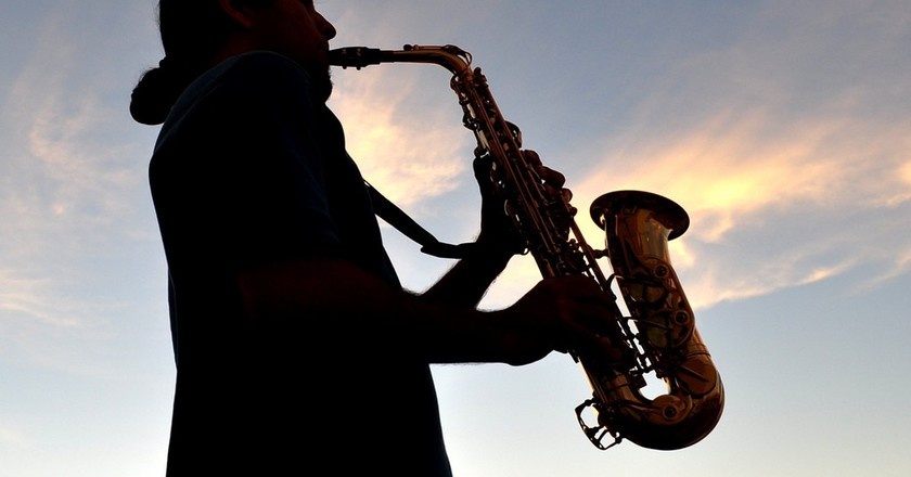 Man playing saxophone | © Diego Lazo / Flickr