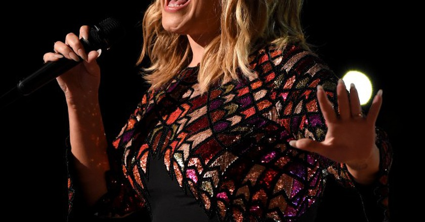Adele dedicated 'Make You Feel My Love'  to the victims of the attack | © REX/Shutterstock
