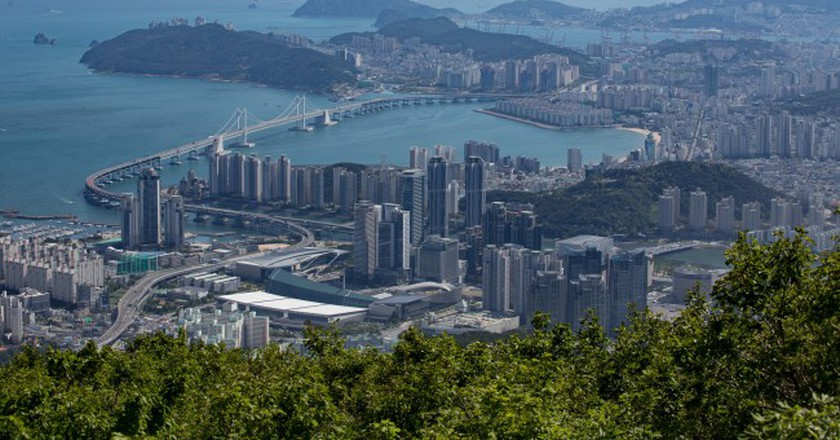 View of Busan from Jangsan Mountain   © Laurie Nevay / Flickr
