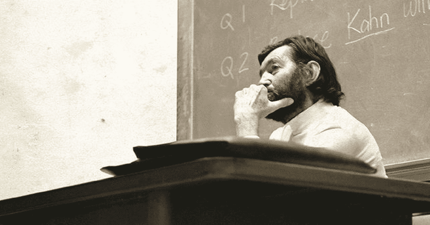 Julio Cortazár, lecturing at Berkeley in 1980, photo courtesy of Dibols¡llo