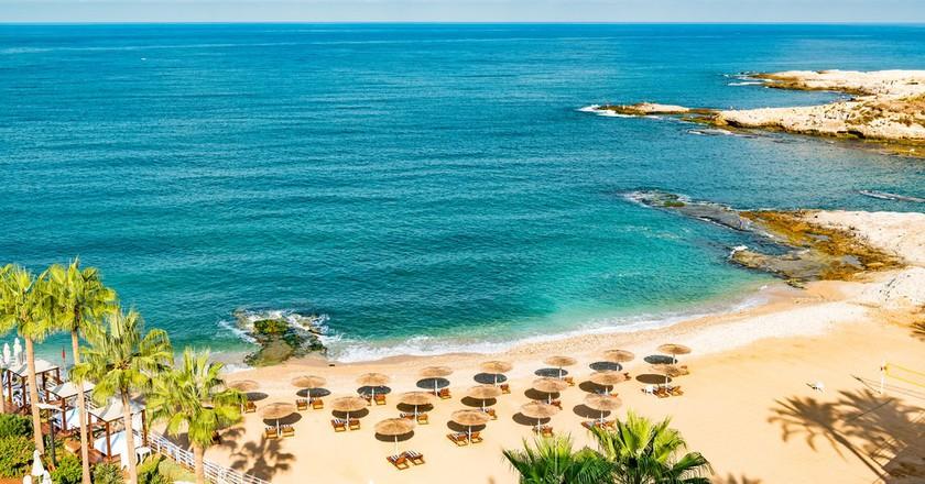 Beirut Coast Landscape at the Resort Hotel in Raouche, Beirut, Lebanon   © JPRichard/Shutterstock