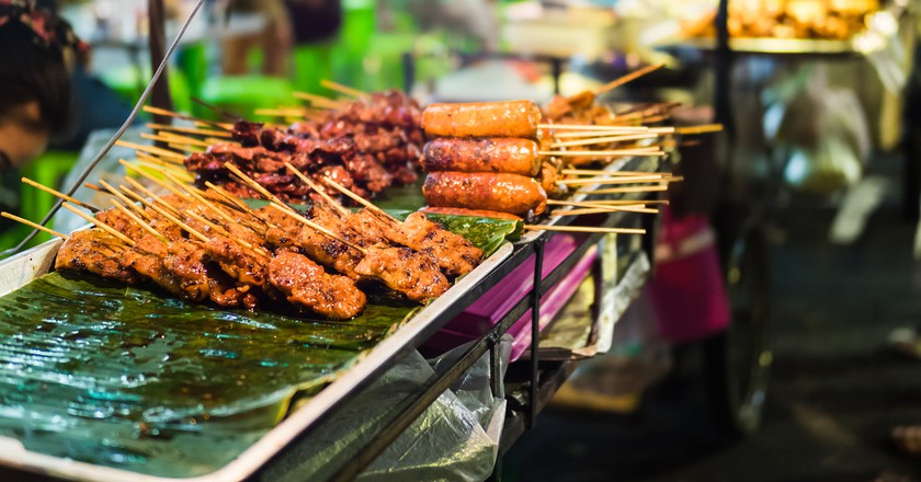 Street snacks are available across Cambodia © Shanti Hesse/ Shutterstock