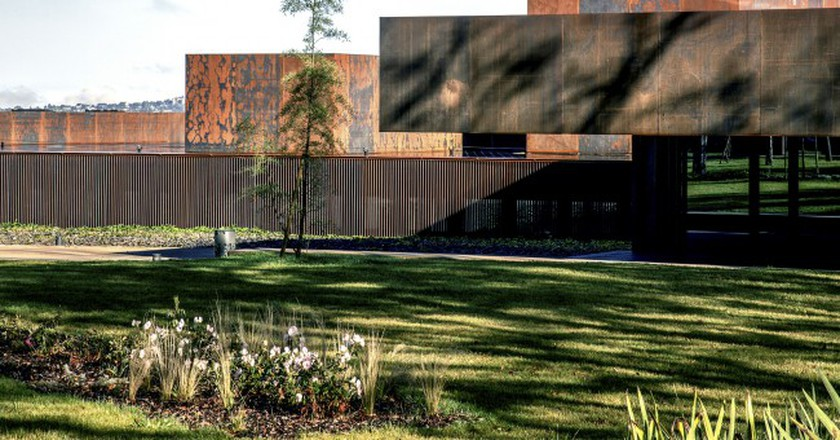 Soulages Museum, 2014, Rodez, France – in collaboration with G. Trégouët | © Hisao Suzuki