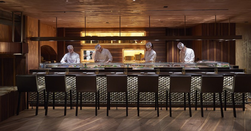 The sushi bar © Mandarin Oriental