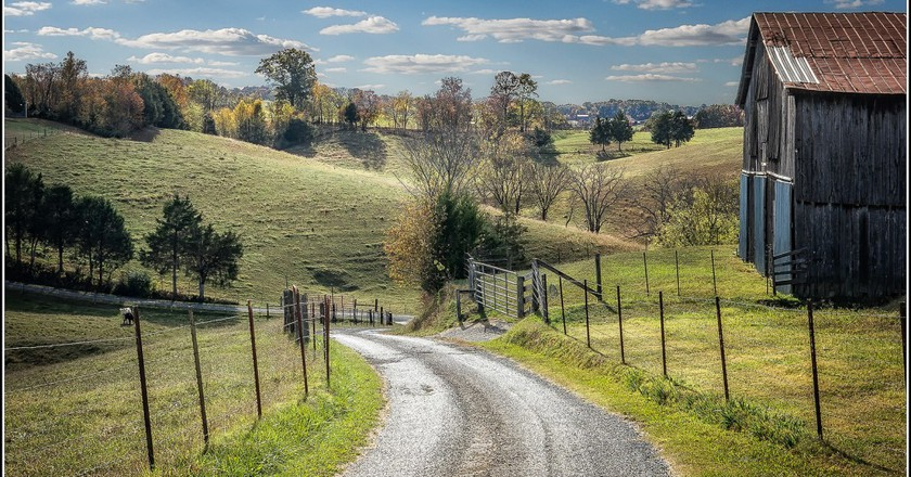 "<a href=""https://www.flickr.com/photos/wrshow/32334170162/"" target=""_blank"">Back road in Tennessee 
