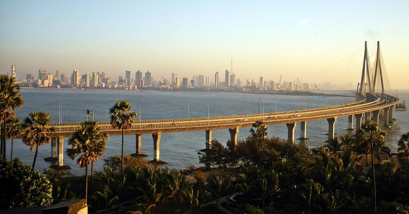 "<a href=""https://www.flickr.com/photos/woodysworldtv/5530750545/"" target=""_blank"">Bandra Worli Sea Link 
