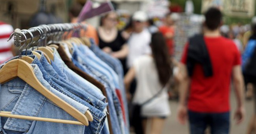 Vintage jeans wear at Mauerpark © | Florian Ramel/Flickr