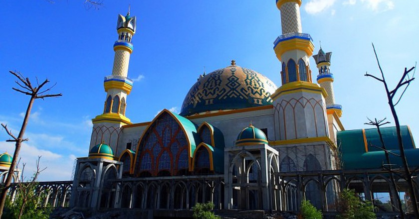 Mosque in Lombok, Indonesia| © SarahTz / Flickr