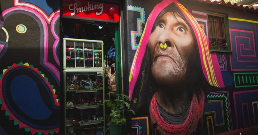 Grafitti in Bogota (cropped) | © Ricardo Quintero/Flickr