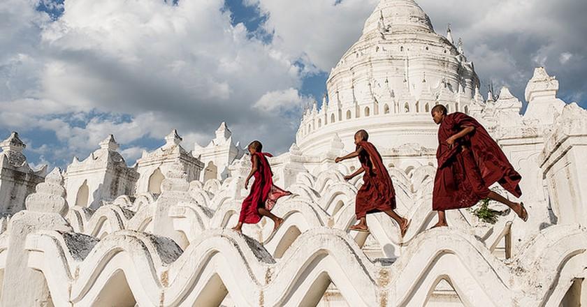 Hsinbyume Pagoda   © Sergio Carbajo/Flickr