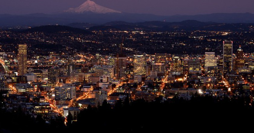 Portland at dusk | © Alejandro Rdguez / Flickr