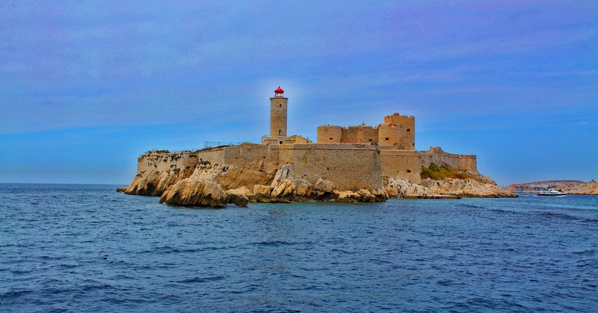 The imposing fortress of Château d'If sits just off the coast of Marseille | © Darius Huntly/Flickr