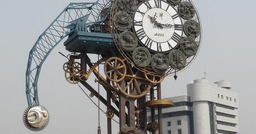 "<a href""https://www.flickr.com/photos/santangelo-jon/4527931559""> Century Clock Tianjin     ©  Jon Santangelo/Flickr</a>"