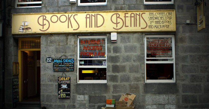Books and Beans | © Jarle Refsnes/Flickr