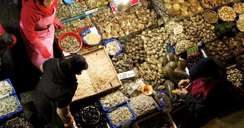 Seoul's famous Noryangjin Fish Market | © Chelsea Marie Hicks / Flickr