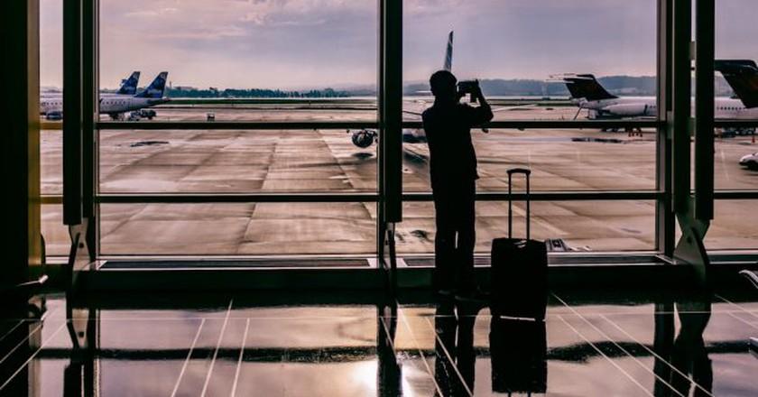 Airport traveler   © Ashim D'Silva
