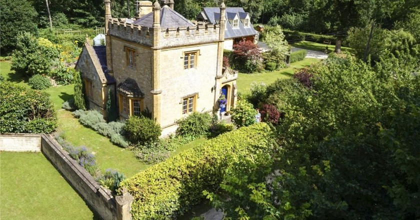 Live the Fairytale and Snap up the UK's Smallest Castle