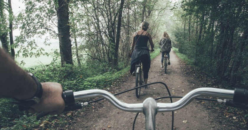 Scenic cycling   © Splitshire