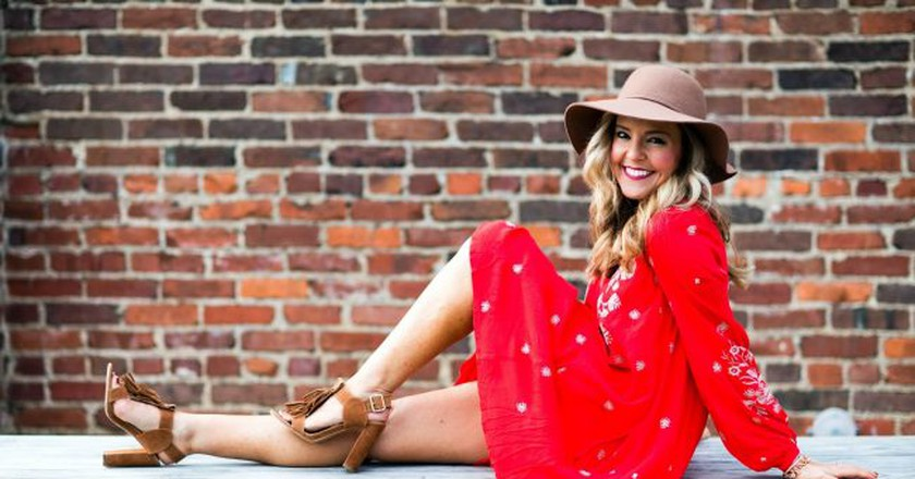 Nashville fashion & lifestyle blogger Natasha | © Alli Golden / Hello Happiness