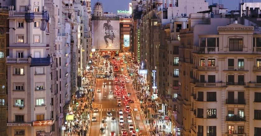 Gran Vía at night | © Madrid Destino Cultura Turismo y Negocio