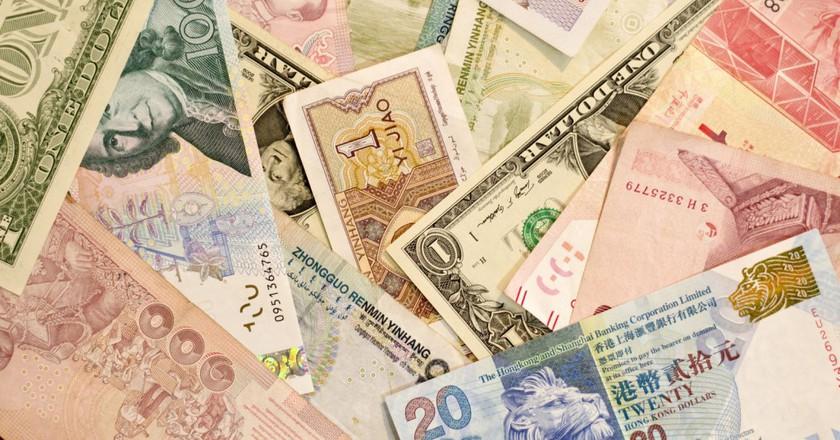 Global Currency | © japanexpertna.se/Flickr