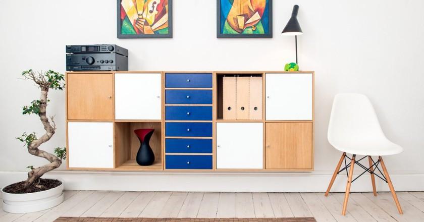 """<a href=""""https://www.pexels.com/photo/architecture-cabinets-carpet-chair-245208/"""">Home décor   Pexels</a>"""