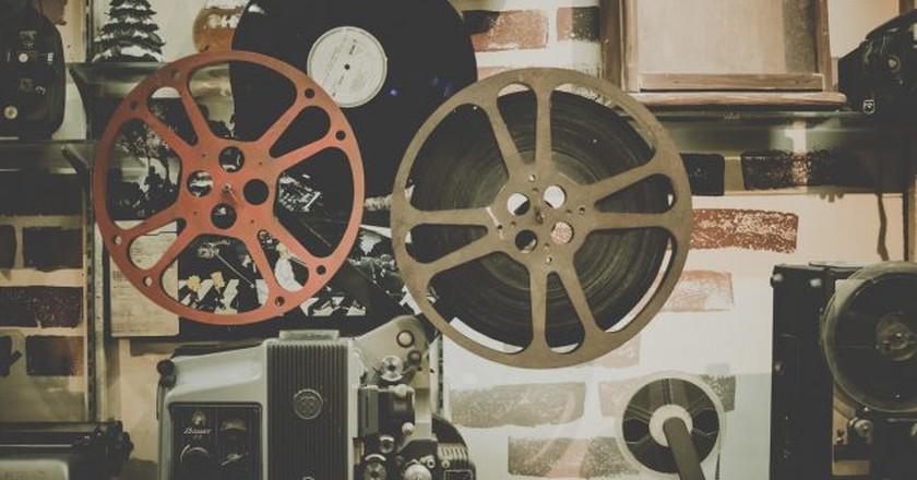 Vintage movie projector | Pexels