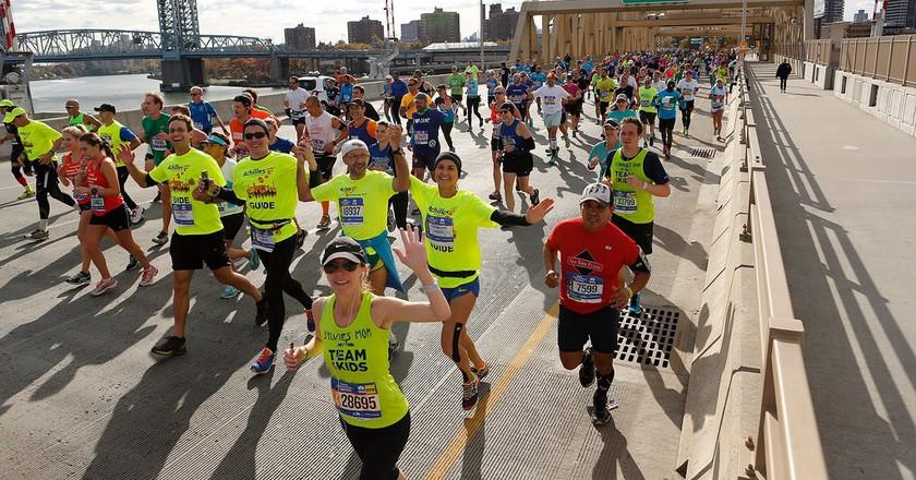 Runners during the 2016 New York City Marathon | © NYRR