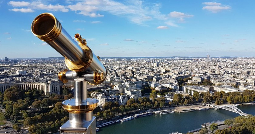 View from the Eiffel Tower │© jjandson / Pixabay
