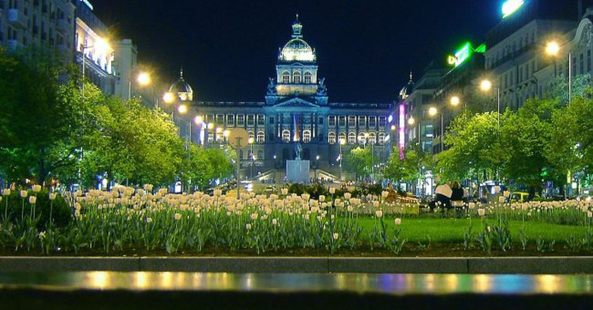 A night shot of the National Museum  ©Me haridas / Wikimedia Commons