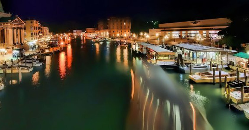 Venice at night | oliver_clarke/Flickr