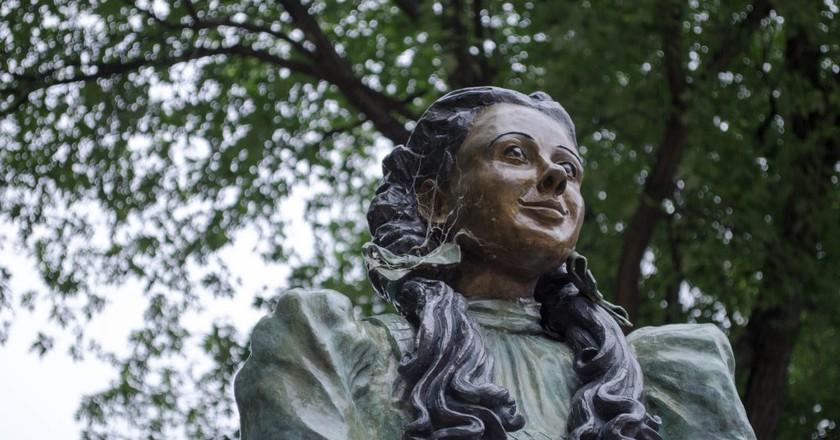 Dorothy statue in Oz Park | © vikramjam / Flickr