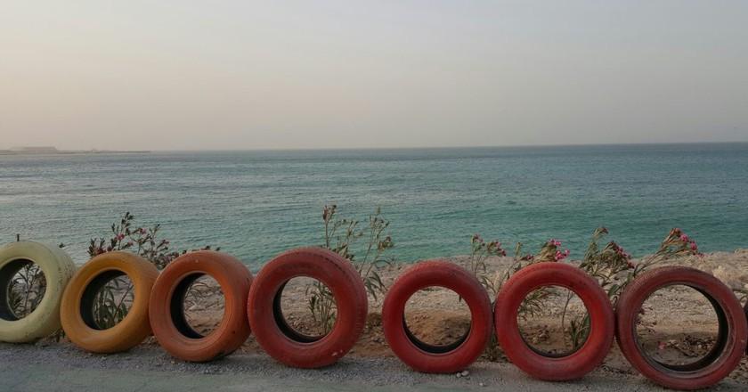 Bikes paths on Kish Island are along the coast | © Pontia Fallahi