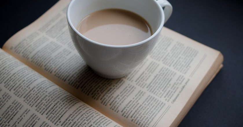 "<a href""https://www.flickr.com/photos/30478819@N08/33396455176""> Coffee & Book © Marco Verch/Flickr</a>"