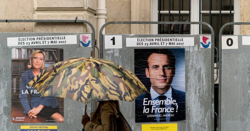Macron and Le Pen campaign posters in Paris   © Lorie Shaull/Flickr