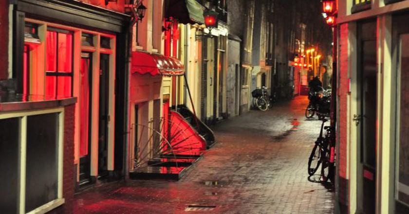 Prostitution windows in Amsterdam's Red Light District | © Karolina / Flickr