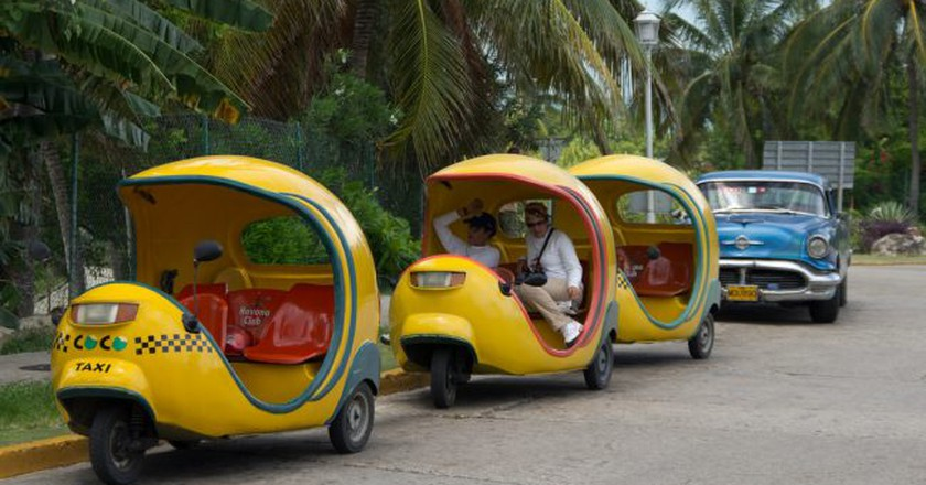 Coco taxis in Havana   © Emmanuel Huybrechts/Flickr