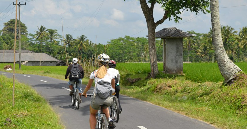 Cycling in Ubud, Bali | © eGuide Travel/Flickr