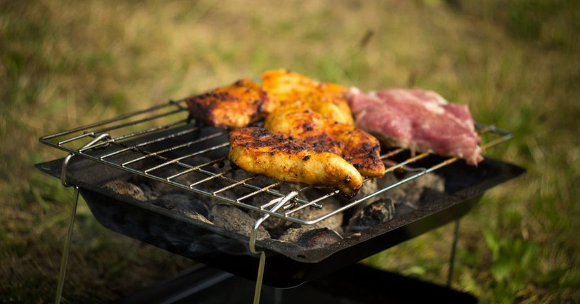 Barbecue, Grill    © Courtesy of tookapic/Pixabay