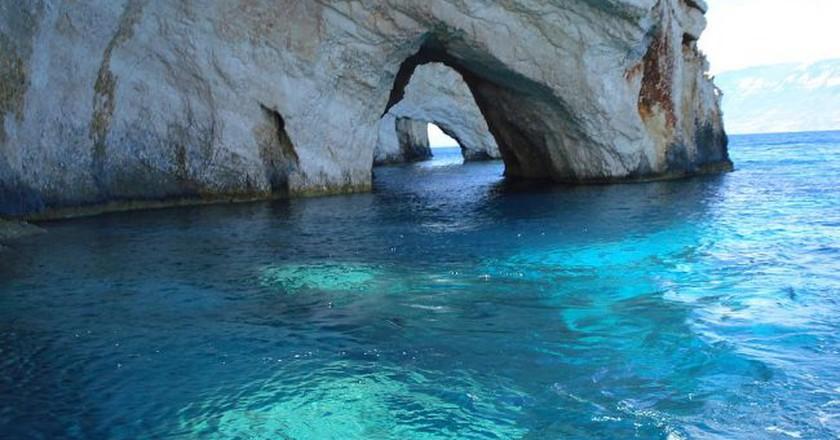 Blue Caves, in Zakynthos, Greece | © RIPSTIKwizard/WikiCommons