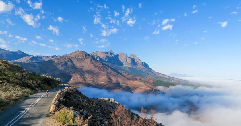 Mountains and mist   © Kevin Benkenstein/Unsplash