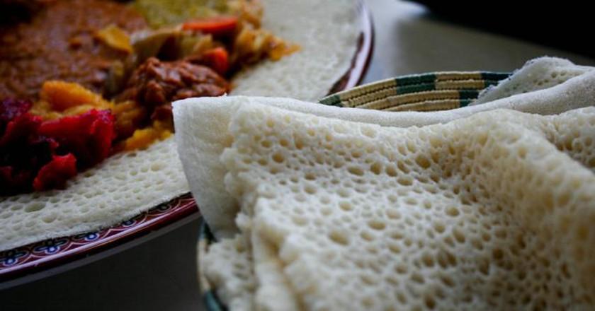 "<a href=""https://www.flickr.com/photos/kimclit/4439347681/"" target=""_blank"" rel=""noopener noreferrer"">Ethiopian cuisine | © avry / Flickr</a>"