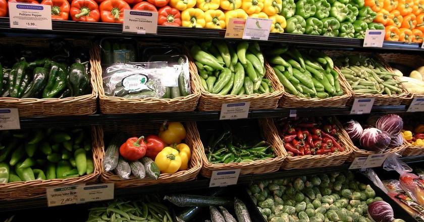 Vegetables at a Food Market © Masahiro Ihara / Flickr