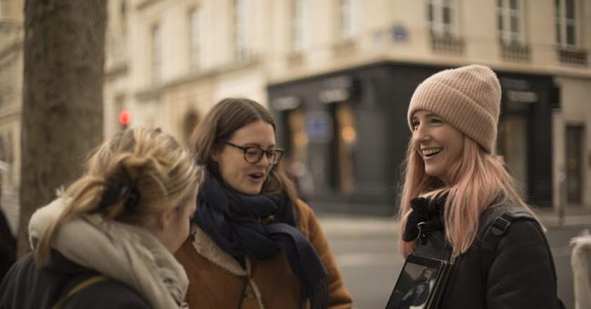 Heidi Evans in action on a Women of Paris tour │ Courtesy of Women of Paris