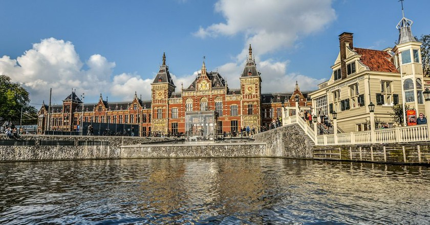Centraal Station in Amsterdam   © pixabay